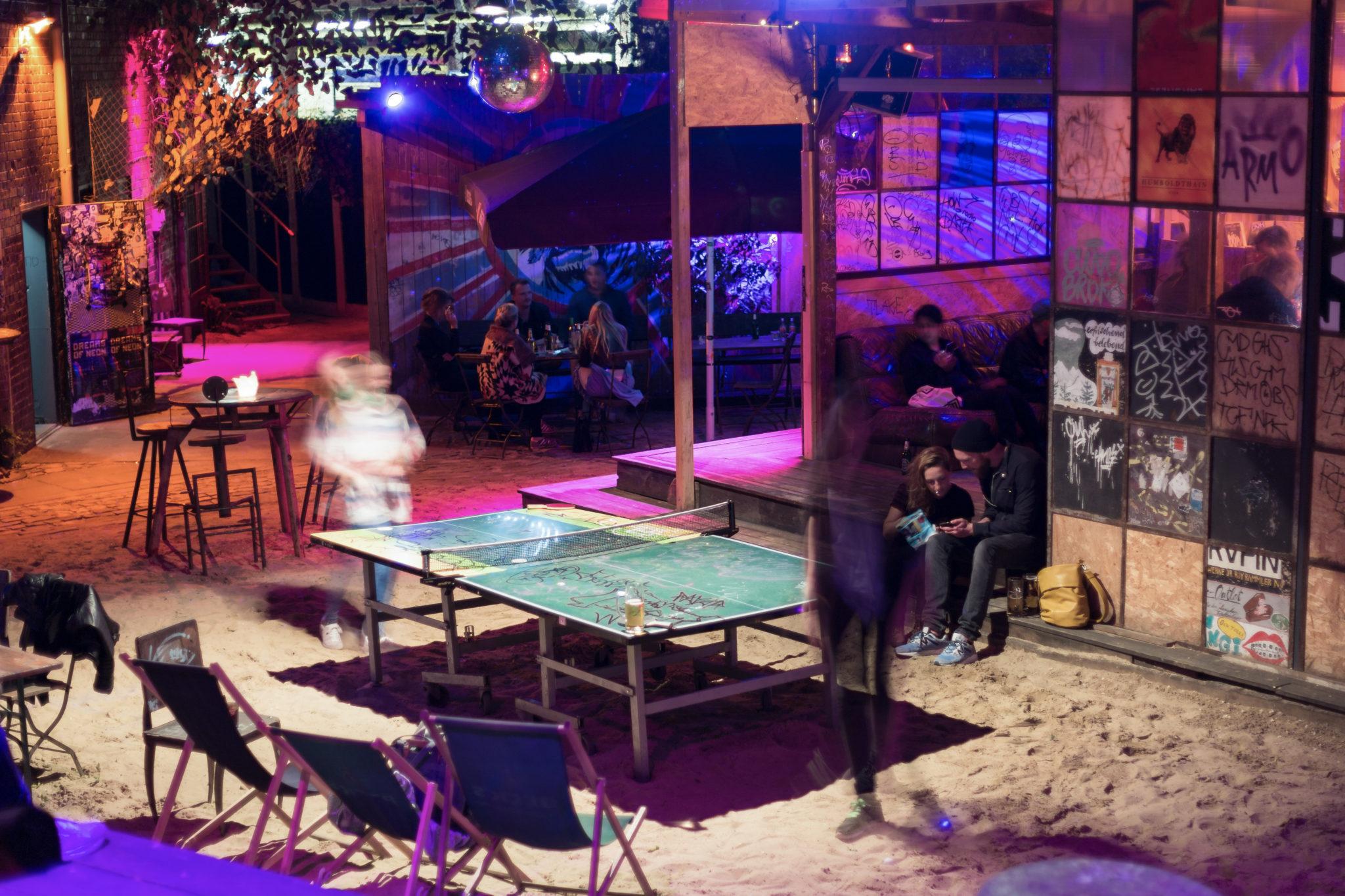 Open Decks & Tischtennis